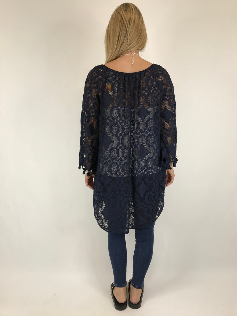 Lagenlook Lace Top in Navy. code 5928
