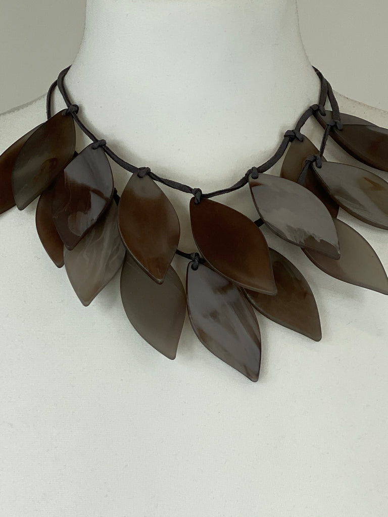 Lagenlook Brown Leaf Drop Short Necklace .Code BC-118