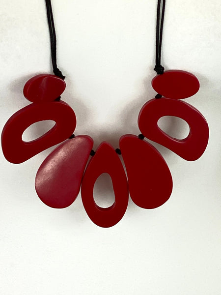 Lagenlook Tribal Style Melt Red Pebble Necklace code 1136R