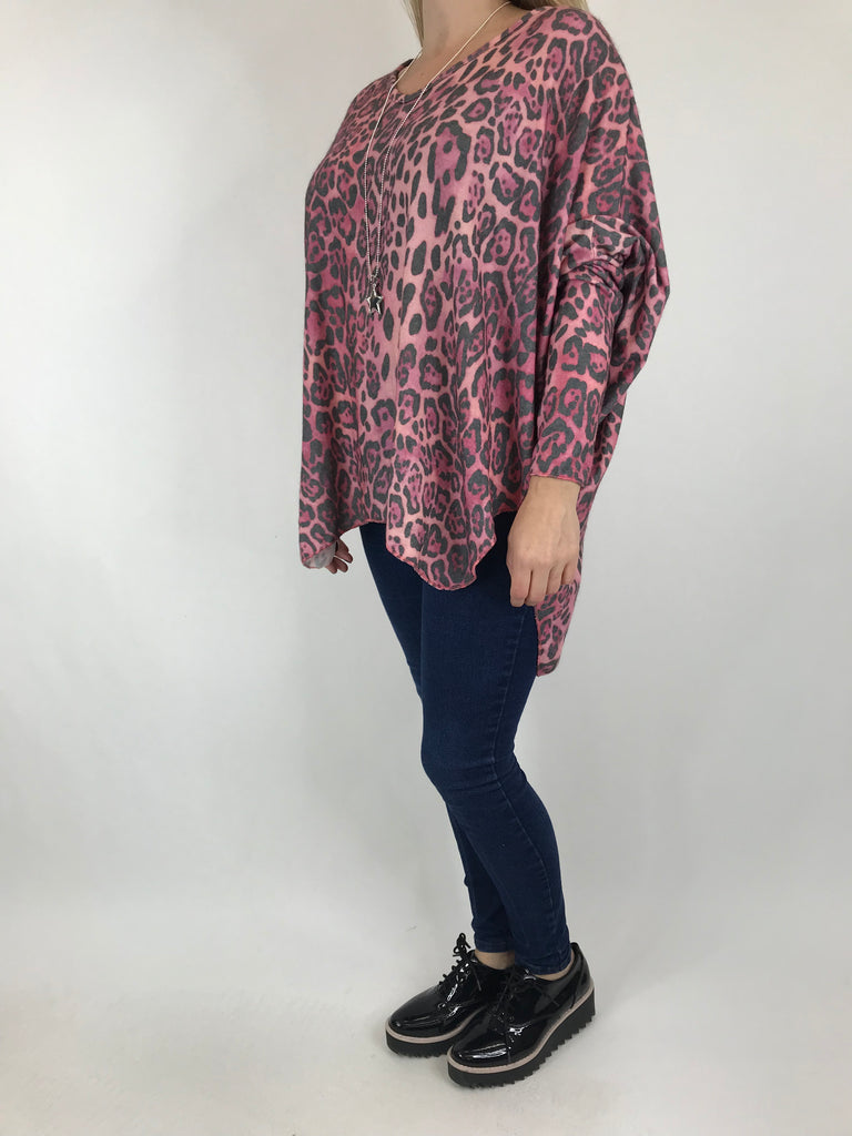 Lagenlook Animal V-Neck Top in Fuchsia . code 5947