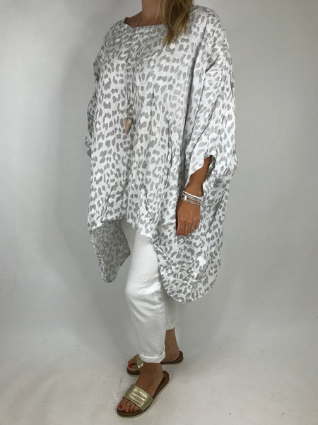 Lagenlook Animal Print Linen Poncho in White. code 5214