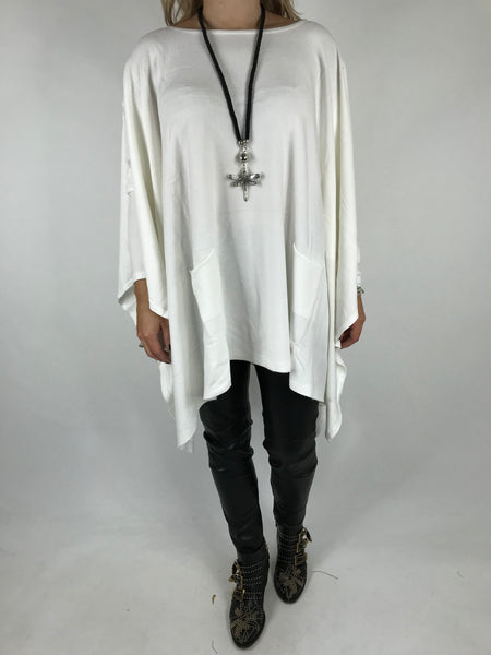 Lagenlook Knitted Poncho In White. code 16024