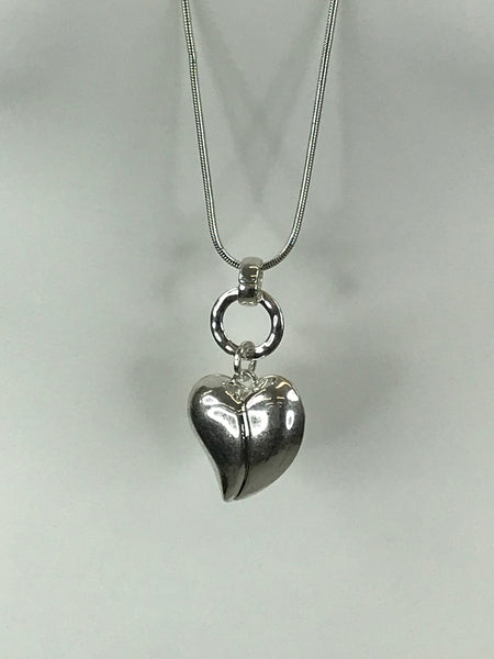 Lagenlook Mini Heart Necklace .Code REO0183