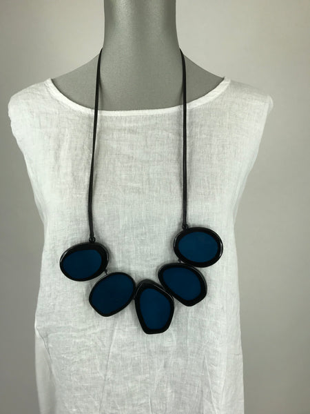 Lagenlook  Black & Teal Resin Circle Necklace . code Js012