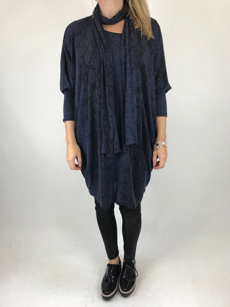 Lagenlook Snake Print Scarf top in Navy. code 5474