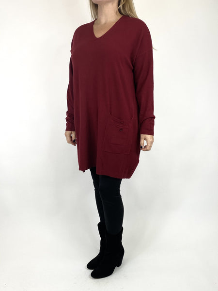Lagenlook Jute Pocket V-neck Jumper in Wine. code 2712 - Lagenlook Clothing UK
