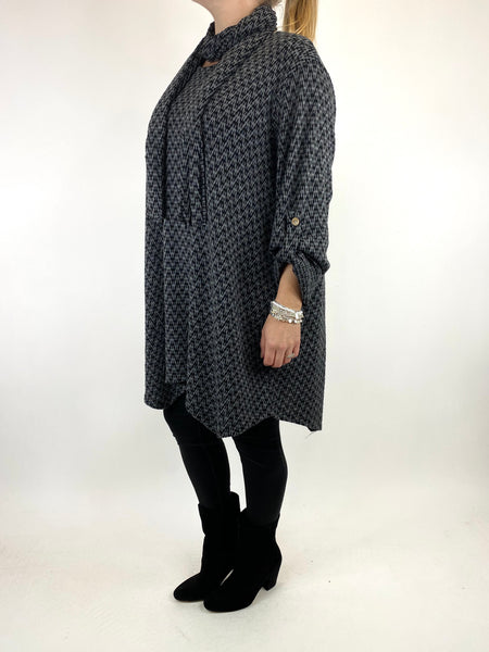 Lagenlook Zig -Zag  Scarf Top in Charcoal. code 6188