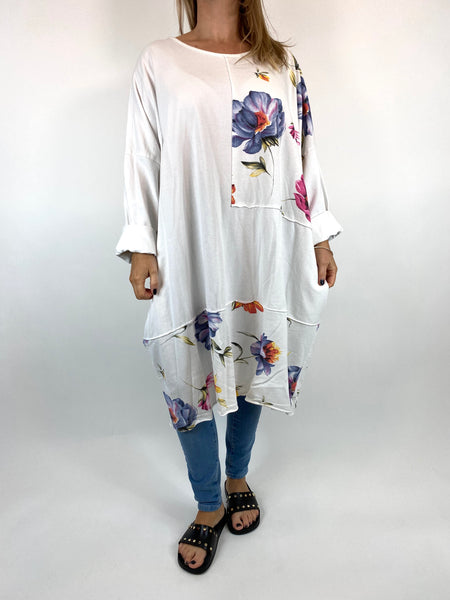 Lagenlook Lilly Flower Patch Sweatshirt in White. code 0069