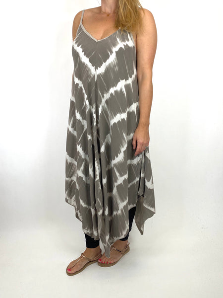 Lagenlook Arlo Tie-Dye Strap Regular Size Top in Mocha. code 9437