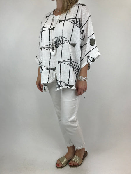 Lagenlook Quirky Short Print Top in White. code 6653