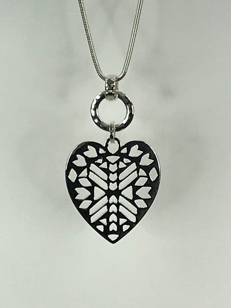Lagenlook Aztec Heart Necklace .Code REO1623