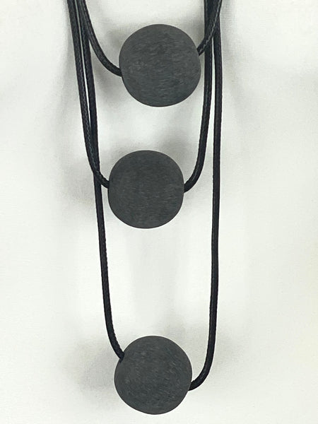 Lagenlook 3 Charcoal  Ball Necklace code A0994C