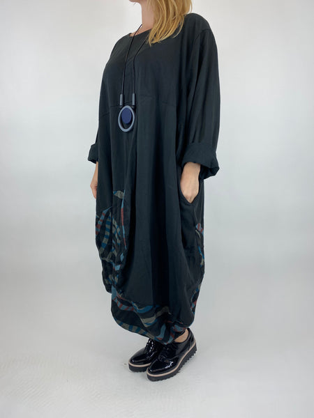 Lagenlook Wave Curve Hem Tunic in Black. code 9977 - Lagenlook Clothing UK