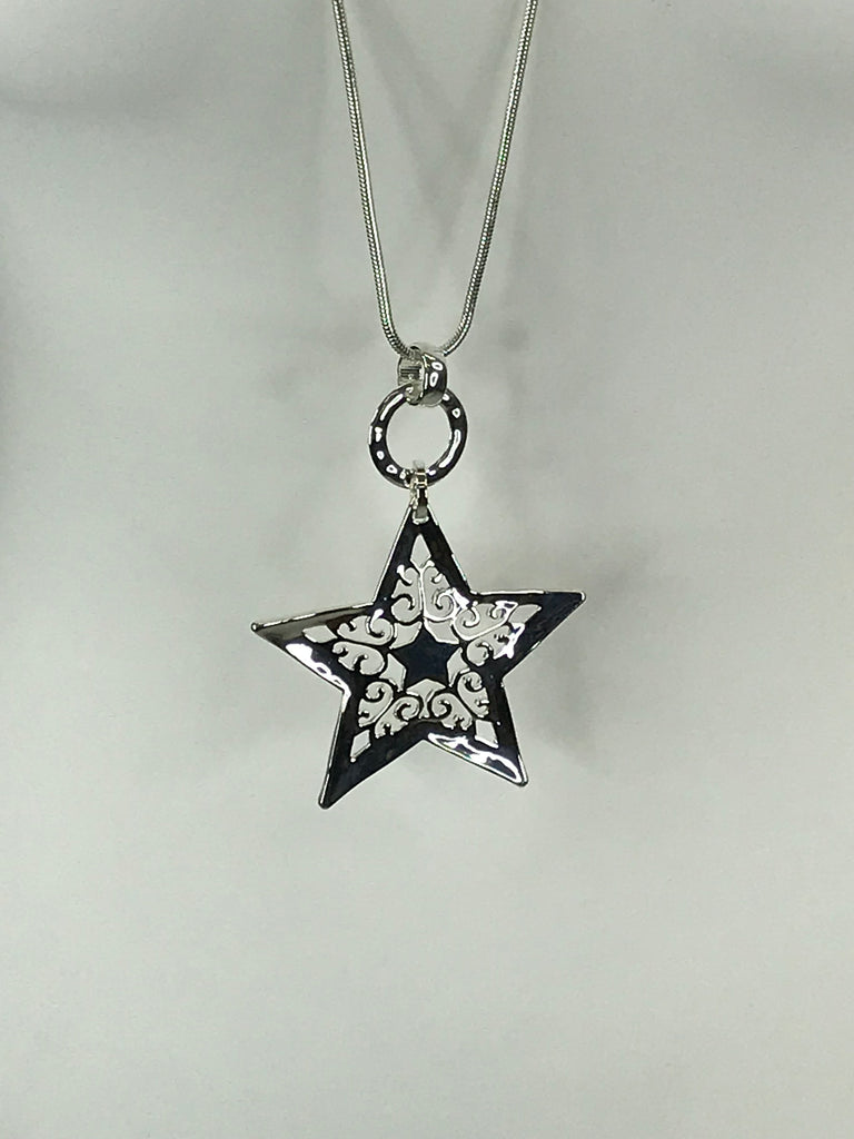 Lagenlook Star Cut-Out Necklace .Code Re0385N