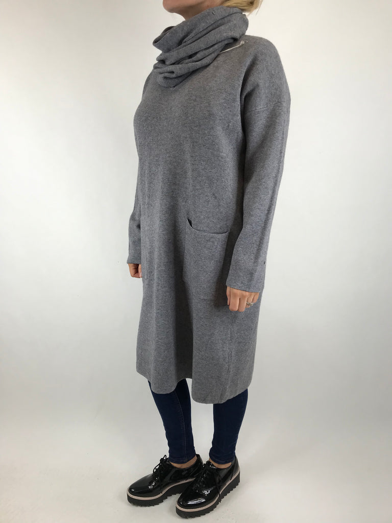 Lagenlook Molly Snood knit in Grey. code 6002