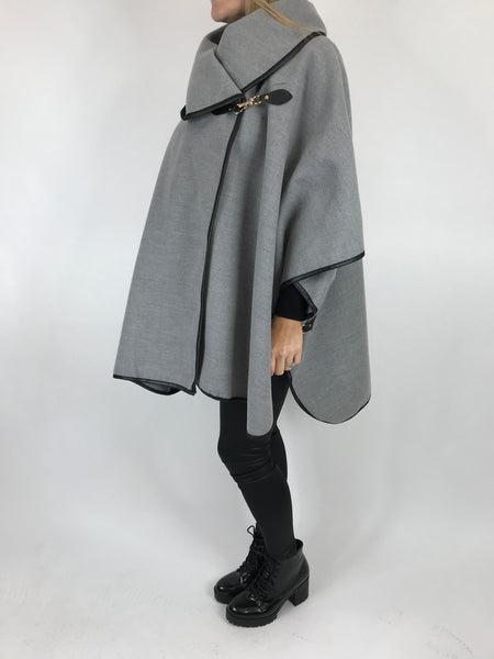 Lagenlook Buckle side Jacket in Pale Grey. code 8458