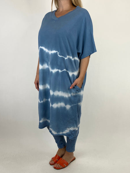 Lagenlook Cara Cotton Mix Tye-Dye V-Neck Top in Denim. code 6888 - Lagenlook Clothing UK