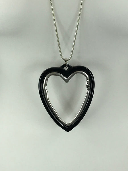 Lagenlook Black Trim Heart necklace .Code 60342