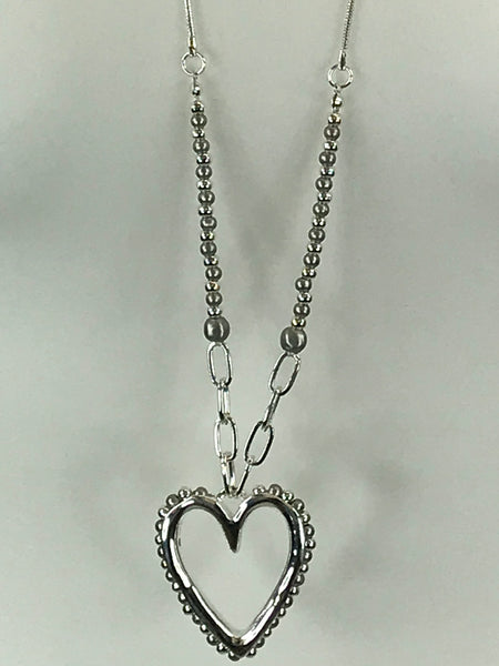 Lagenlook Kiki Heart Necklace .Code REO3101