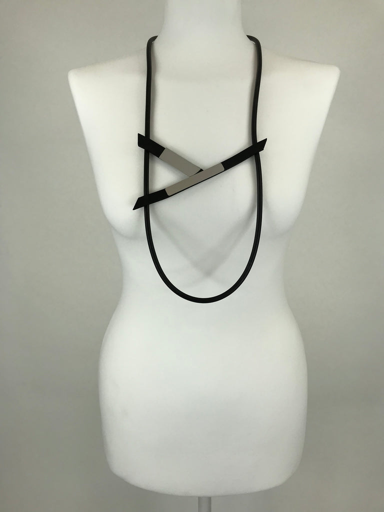 Lagenlook Silver Tab Rubber Necklace code JCYb18055