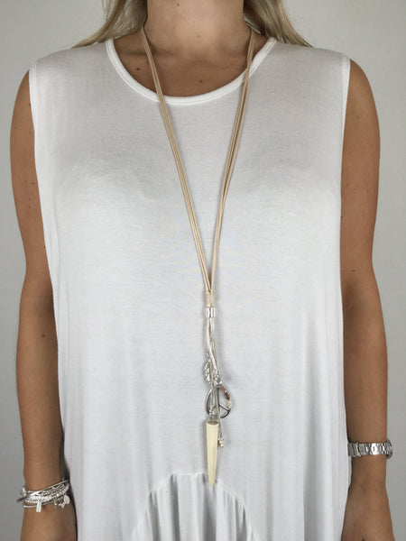 Lagenlook Peace Necklace in Natural. Code R012
