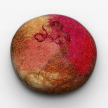 Load image into Gallery viewer, Cinnamon Oat Felted Soap