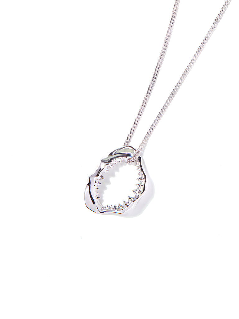 SHARKY NECKLACE SILVER - Venessa Arizaga