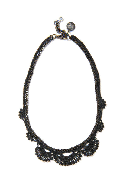 WILDFLOWER NECKLACE (BLACK)