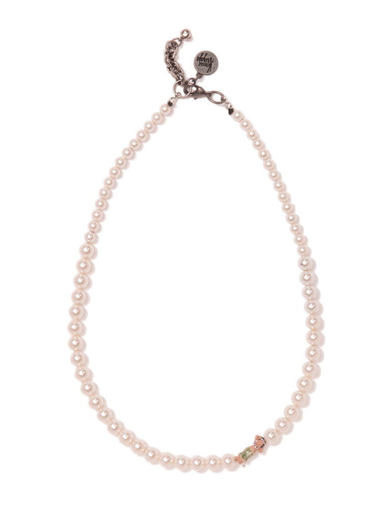 PEARLY SHELLS NECKLACE