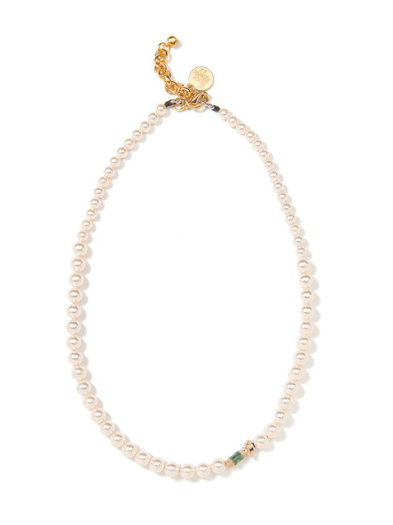 PEARLY SHELLS PEARL NECKLACE