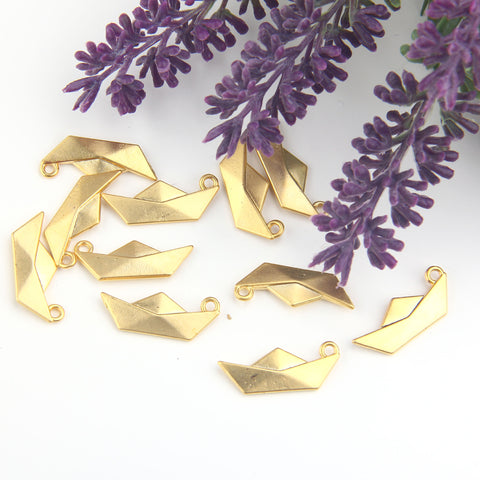 Gold Boat Charms, Paper Boat Charms, Origami Boat Drops, 4 pieces // GCh-353