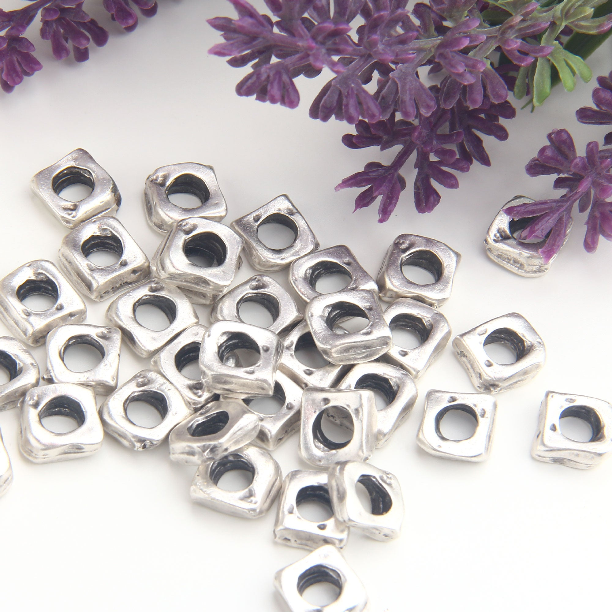 Silver Square Beads, Square Disc Beads, Square Slider Beads, Square Bead Spacers, 8 pieces // SB-161