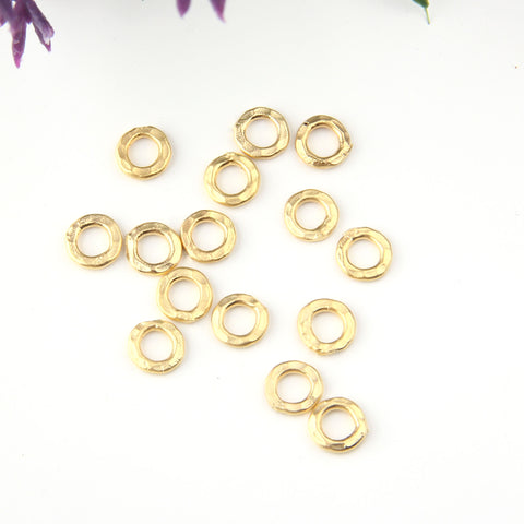 Mini Donut Links, Mini Gold Circle Connectors, Donut Connectors, Mini Ring Links, 15 pieces // GC-413