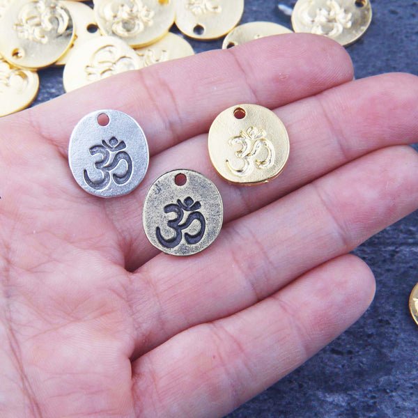 Gold OM CharmGold OM Charms, OM Pendants, Meditation Charms, Yoga Jewelry Charms, Aum Charms, 4 pieces // GCh-373