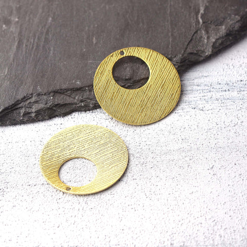 Round Raw Brass Pendants, Striped Raw Brass, Raw Brass Earring Components, Polymer Clay Charms, Stamping Blank Charms, 2 pcs // RAW-226