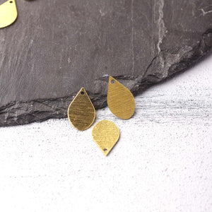 Teardrop Raw Brass Charms, Striped Raw Brass, Drop Earring Components, Polymer Clay Charms, Stamping Blank Charms, 4 pcs // RAW-228