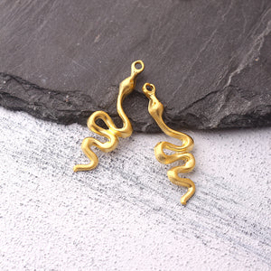 Crawling Snake Pendant, Matte Gold Snake Pendant, Gold Serpent Charms, Serpent Jewelry, 2 pieces // GP-371