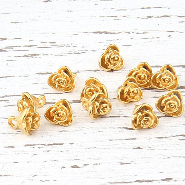Mini Daisy/Flower Charms, 22k Matte Gold Plated, 12 pieces // GCh-206