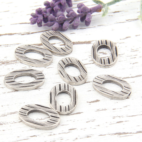 Textured Oval Thick Connector, Antique Silver Oval Ring Connector, Closed Oval Loop, 8 pieces // SC-178