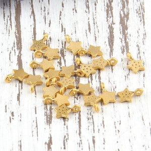 Mini Spotted Star Charms, Gold Star Charms, 20 pieces // GCh-217
