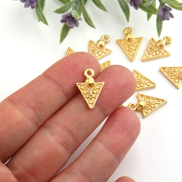 Gold Mini Triagle Tribal Charms, Tribal Gold Charms, Tribal Dangles, Geometric Charms, 10 pieces // GCh-232