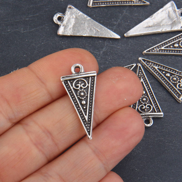 Silver, Tribal Triangle Charms, Tribal Charms, Ethnic Charms, 8 pieces // SCh-149