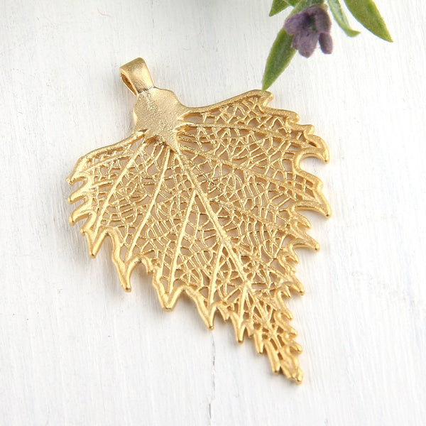 Gold, Large Detailed Leaf Pendant, Leaf Jewelry, Leaf Necklace,1 piece // GP-494