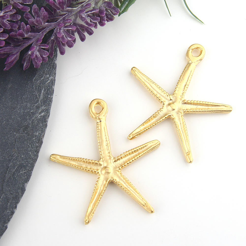 Gold Plated Star Pendant, Sea Star, Starfish Pendant, Starfish Charms, 2 pieces // GP-517