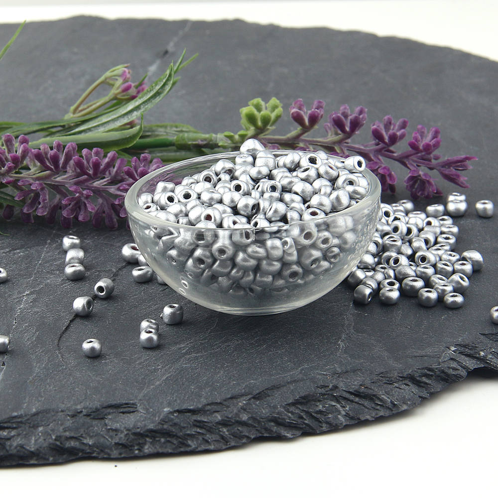 SALE, Matte Silver Plated Glass Seed Beads, Metallic Silver Glass Beads, 15 gr (200 beads) 3,5*3mm