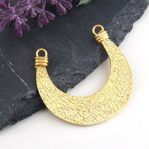 Gold, Tribal Crescent Pendant with Tree Peel Pattern, 1 piece // GP-510