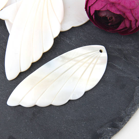 SALE, Mother of Pearl Shell Large Wing Pendants, Shell Pendants, Angel Wing Pendants, MOP Pendants, 1 piece // PND-029