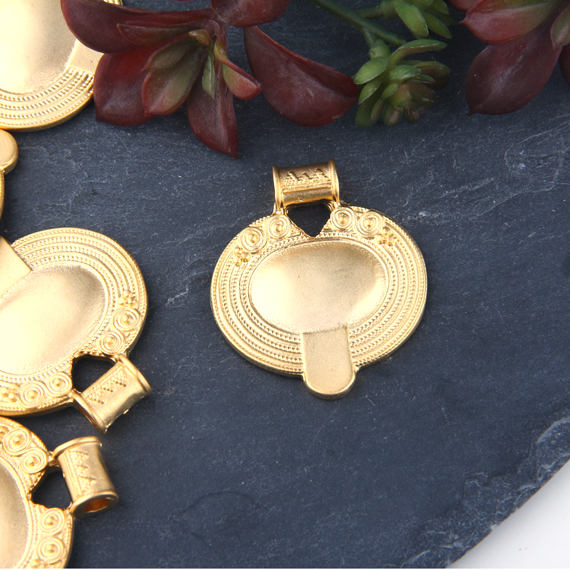 Gold Oval Tribal Pendant, Oval Ethnic Pendant, 22k Matte Gold Plated, 1 piece // GP-550