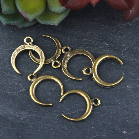 Bronze, Mini Crescent Charms, Mini Moon Charms, Antique Bronze Plated, 6 pieces // ABCh-034