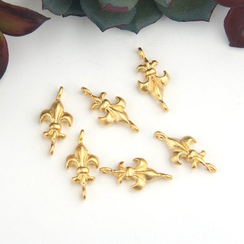 Gold Fleur De Lis Connectors, French Lily Link, Flower Charms, 6 pieces // GC-529